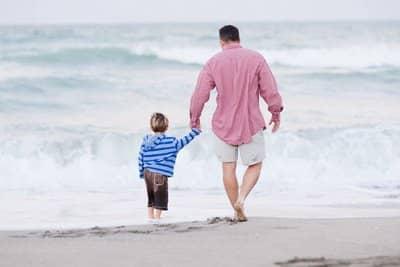 un enfant et papa toujours important - 2houses